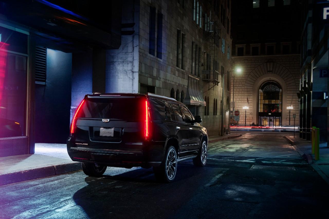 Cadillac-Escalade-Sport-Edition-1